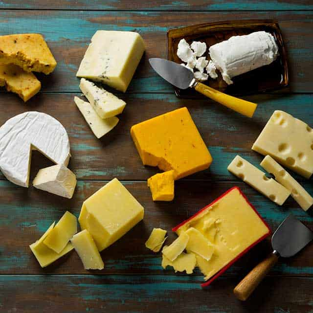 Different types of chesse