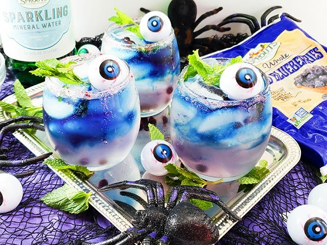 Blueberry Mojito in Halloween cup